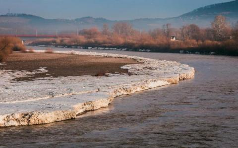 Pogodowe zimowe plagi. Synoptycy ostrzegają przed roztopami