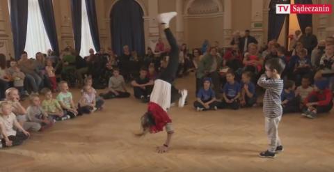 Bitwa break dance w Krynicy-Zdroju, czyli jak dzieciaki dają czadu [WIDEO]