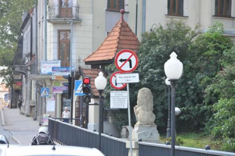 Ki diabeł? Ustawili zakaz skrętu z Lwowskiej w Matejki! Pytamy po co