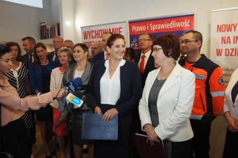 """Ratuszowa drużyna PiS Mularczykowej już uformowana. Z """"ziobrystami"""" na jedynkach"""
