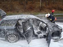 Podróż zamieniła się w koszmar. Ich samochód stanął w ogniu [ZDJĘCIA]