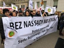 Pracownicy sądeckich sądów i prokuratury poszli na Warszawę. Walczą o podwyżki