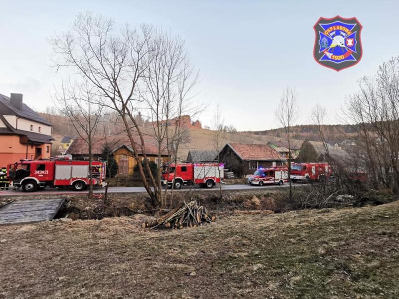 Pożar w gminie Łabowa. Rodzina musiała uciekać z płonącego domu