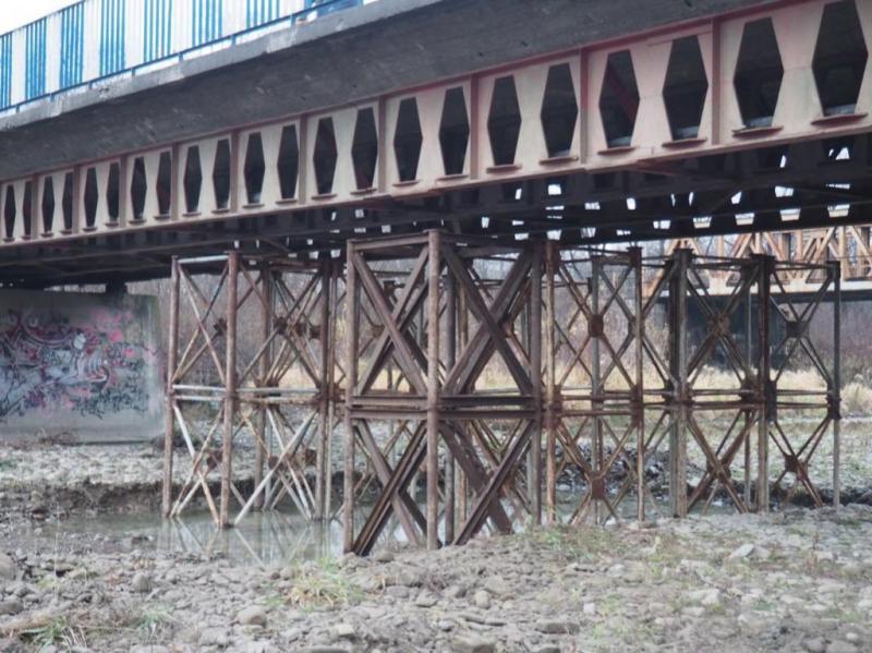 Wojewoda o uruchomienie rezerwy finansowej na budowę mostu zastępczego na Kamienicy od MSWiA nie zawnioskuje. Co to oznacza dla samorządów Nowego Sącza, Kamionki Wielkiej, Nawojowej i Grybowa?