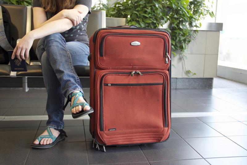 Zagraniczne wakacje: kwarantanny, testy i odwołane loty. Teraz pora na Hiszpanię