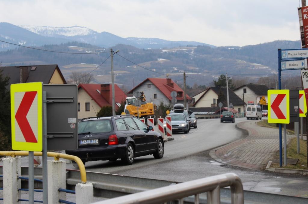 Uwaga, roboty na drodze wojewódzkiej nr 969 pod Łąckiem. Fot. PG