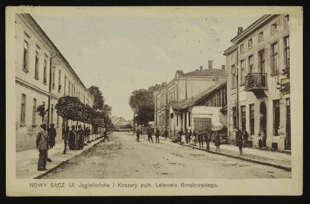 Pocztówka z koszarami pułkowymi na ul. Jagiellońskiej, u zbiegu z ulicą Grodzką - 1924 r. Fot. ze zbiorów POLONA.