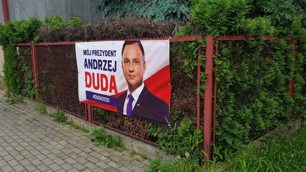 Wybory prezydenckie 2020 Andrzej Duda baner płot