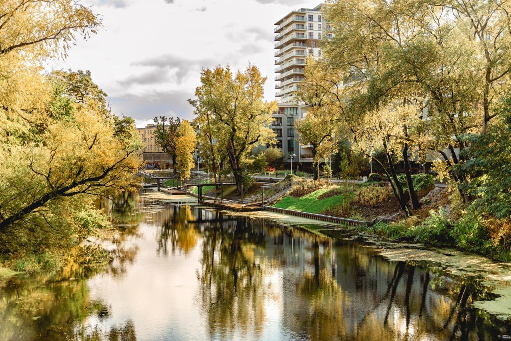 Realizacja Park - M, Wrocław, Zagospodarowanie nabrzeży rzeki Oławy