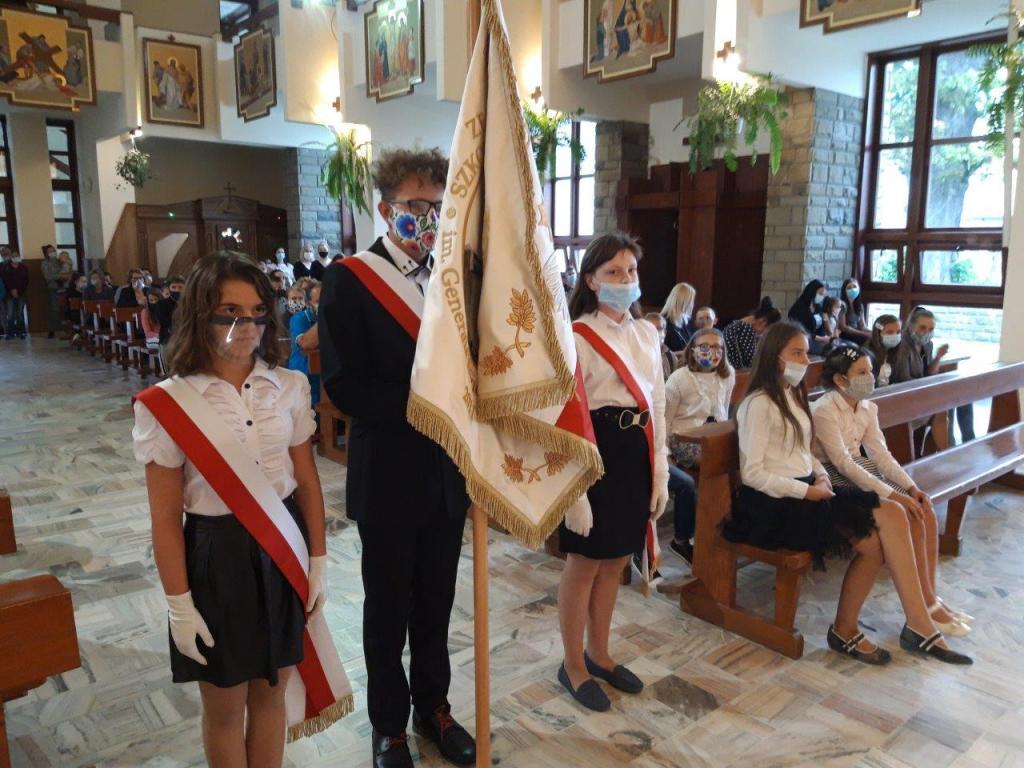 Szkoła Podstawowa w Koniuszowe wspomina gen. Franciszka Gągora, swego patrona