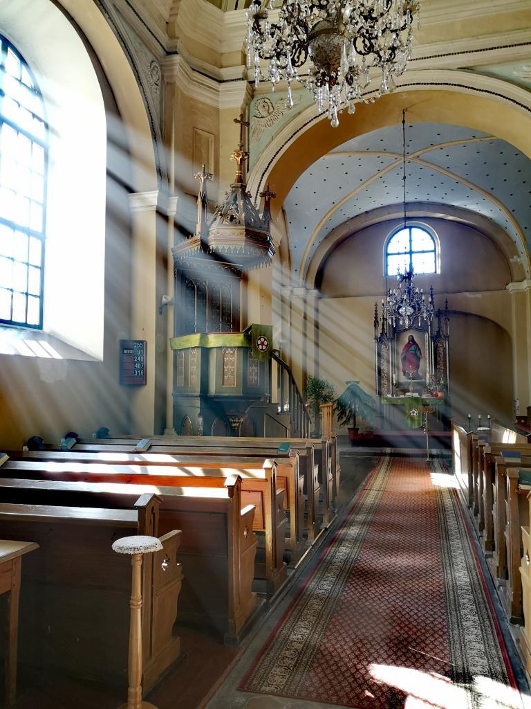 kościół parafii Przemienienia Pańskiego w Nowym Sączu