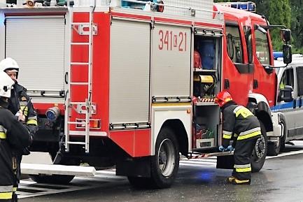 strażacy jeżdzili w niedzielę od wypadku do wypadku