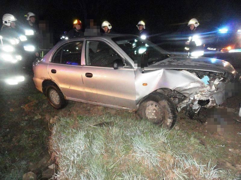 samochód wpadł do rowu w Nowej Wsi