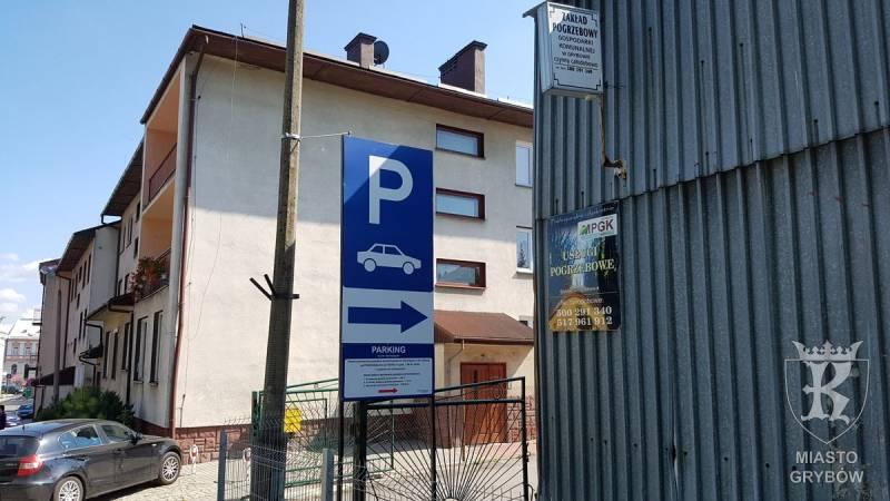 Nowe miejsca parkingowe w Grybowie