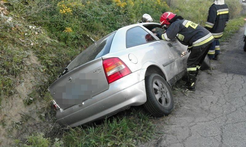 Trzetrzewina dachowanie samochodu