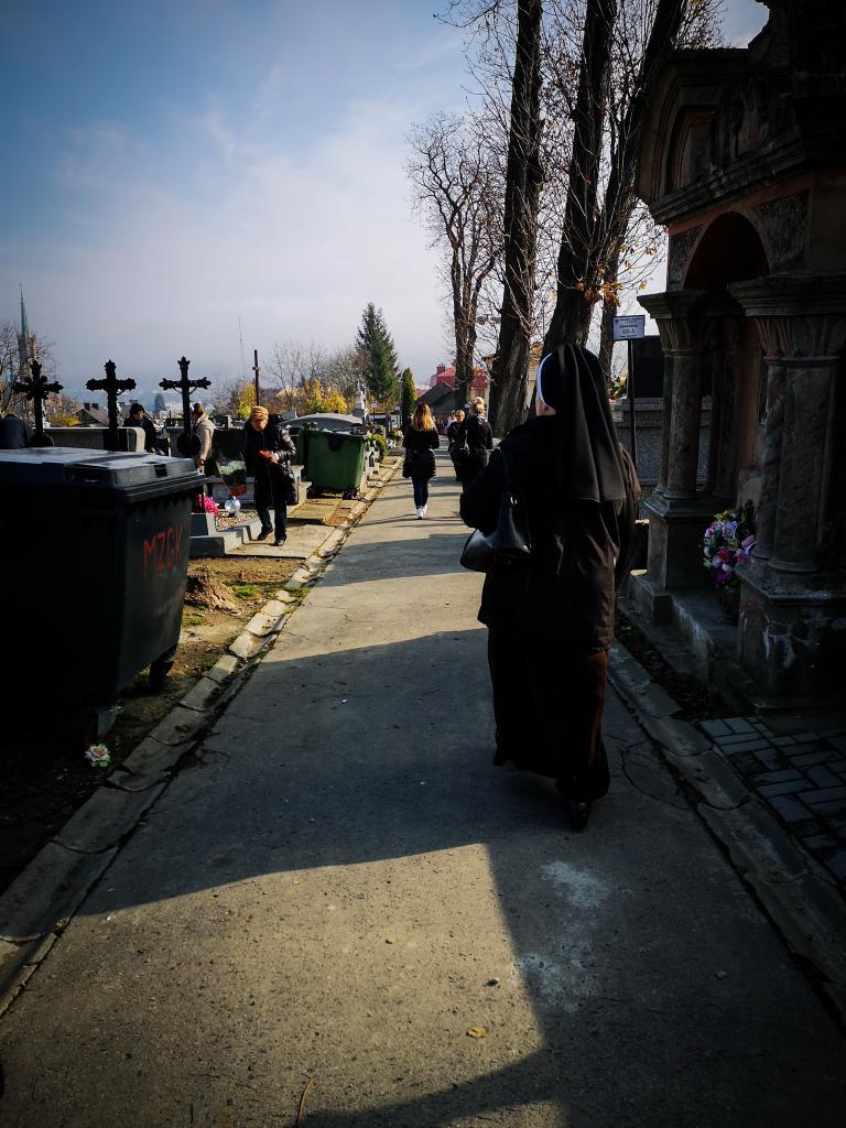 To ostatni dzwonek na porządkowanie grobów swoich bliskich przed dniem Wszystkich Świętych
