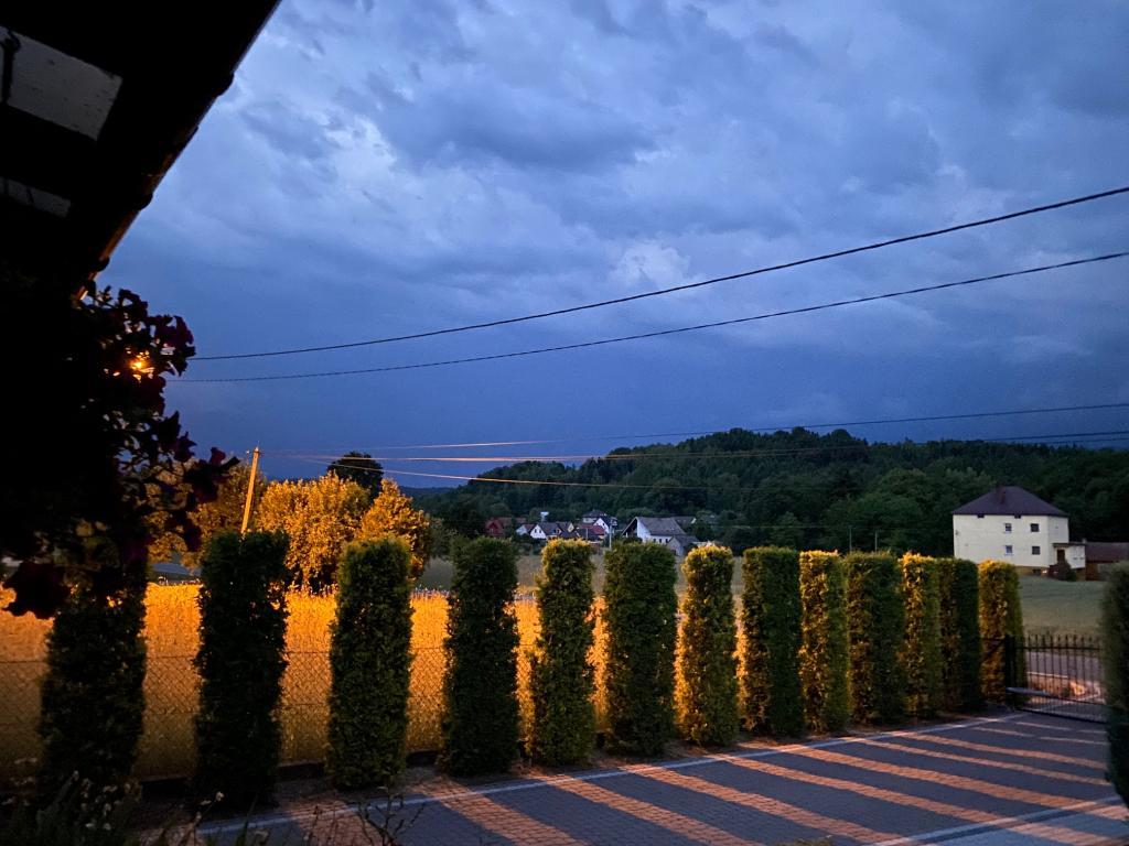 Chmury burzowe nad gminą Podegrodzie, fot. Czytelniczka PS