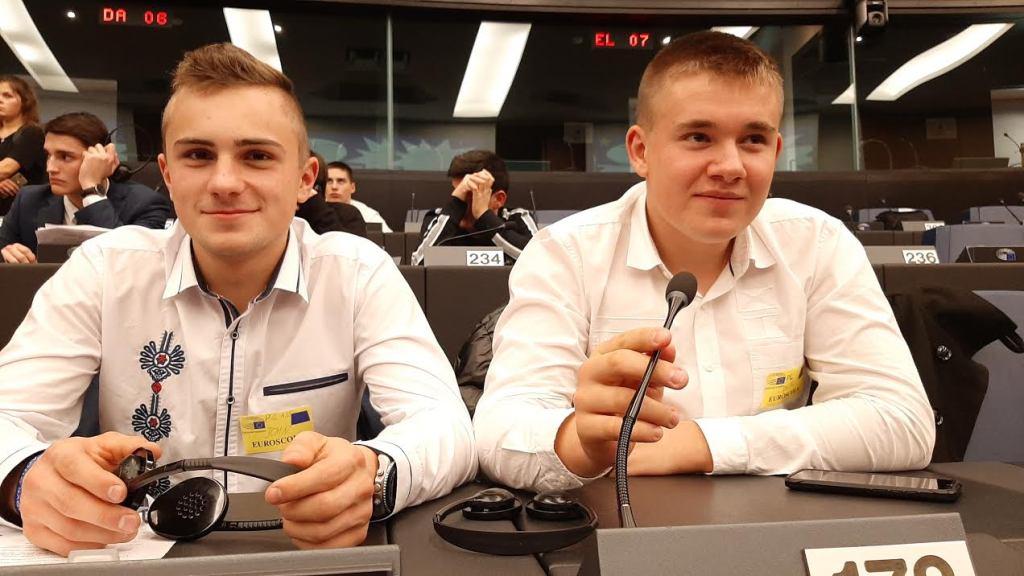 Jeszcze chodzą do szkoły, a już obradowali w Parlamencie Europejskim