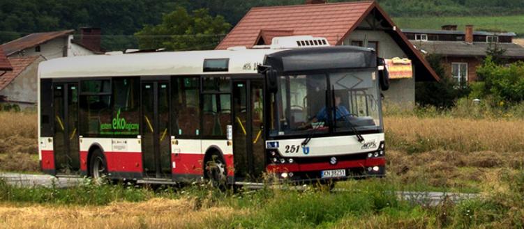 Od dwóch lat na Wolę Kurowską nie jeździ żaden autobus. Miejscowi mówią: dość!