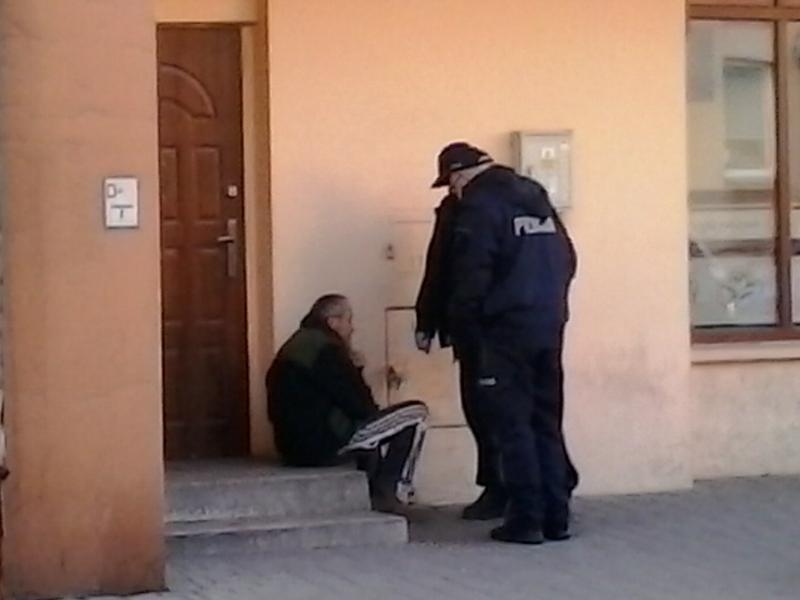 Nikt nie chce pomagać bezdomnym ze Starego Sącza
