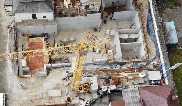 Stary Sącz: budowa Galerii Pod Piątką wstrzymana. Co z terminami i dotacją?