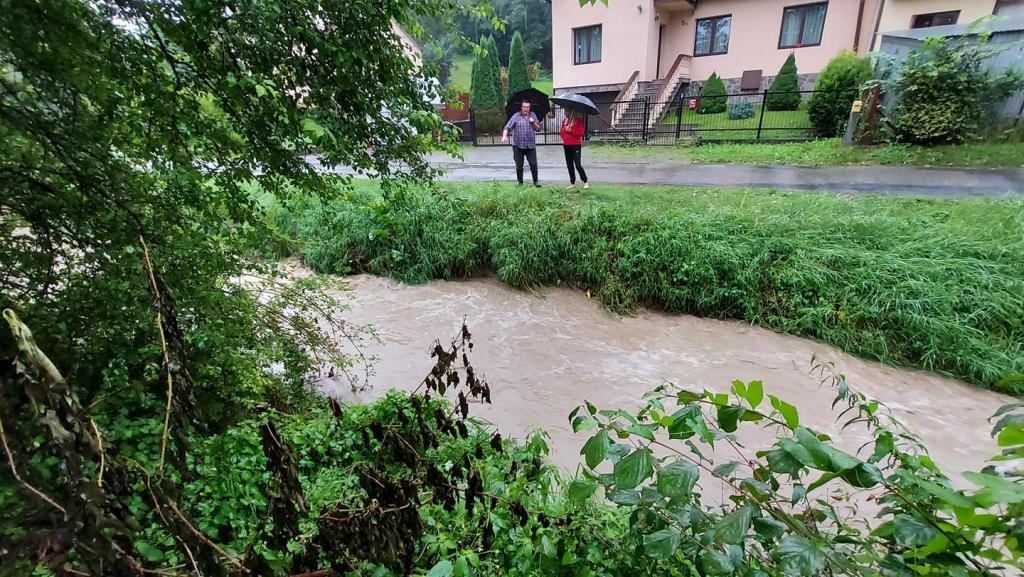 Stary Sącz: przez deszcz i bobry z Parkowej zniknie asfalt?