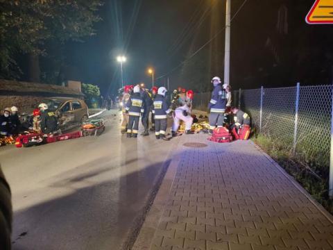 Groźny wypadek w Męcinie. Aż  trzy osoby trafiły do szpitala [ZDJĘCIA]