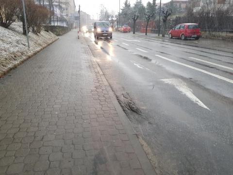NS/ulica Grodzka: albo frezowanie, albo ktoś tu w końcu skręci kark
