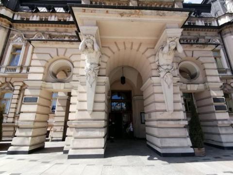 Remont wejścia do sądeckiego ratusza, fot. Iga Michalec