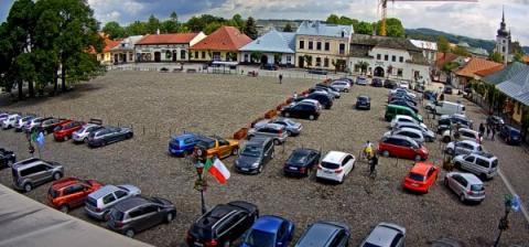 Parkowanie w Starym Sączu znów płatne. Zobacz stawki