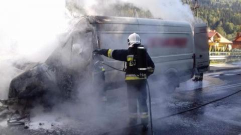 Spłonął samochód dostawczy. Galanteria skórzana poszła z dymem