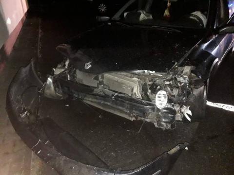 W Łazach Biegonickich zderzyły się dwa auta. Jedna osoba trafiła do szpitala