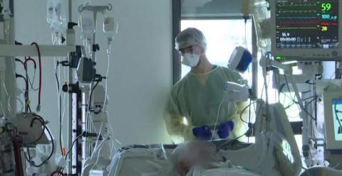 Gwałtowny wzrost zakażeń koronawirusem w Małopolsce. Czy znowu trzeba się bać?