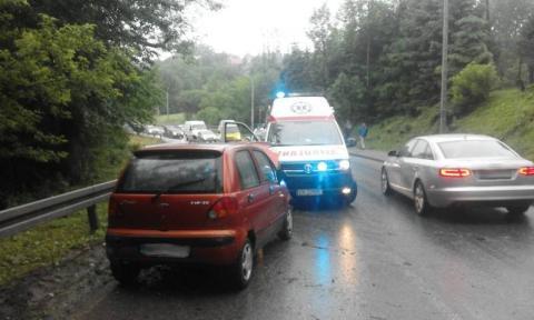 Z ostatniej chwili: wypadek w Librantowej. Samochód uderzył w barierę
