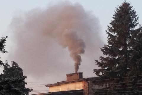 Kraków ma całkowity zakaz palenia węglem i drewnem. Chcecie tego w Nowym Sączu?