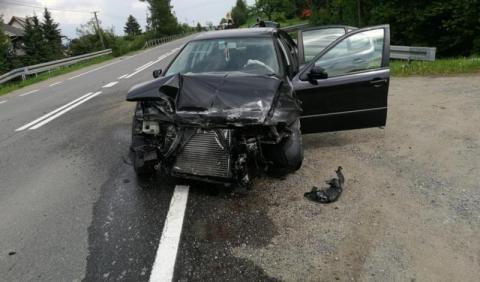 Groźny wypadek w Mordarce. Motocyklista i kierowca auta trafili do szpitala