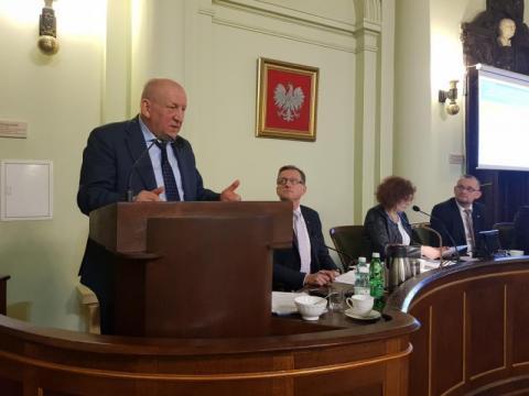 Ryszard Florek na sesji Rady Miasta Nowego Sącza, fot. Iga Michalec