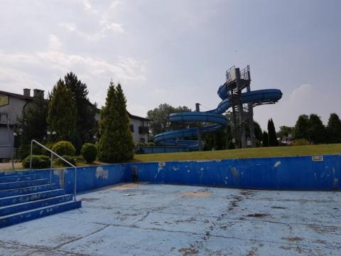 zdewastowany basen nad Łubinką w Nowym Sączu, fot. Iga Michalec