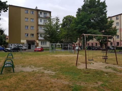 Mieszkańcy walczą o ogrodzony plac zabaw, fot. Iga Michalec