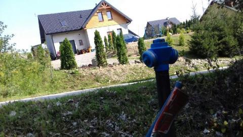 Sądeckie Wodociągi znów wysłały wodę Biczyc Górnych. Gmina udostępni hydrant?