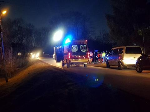 Leżał nieprzytomny na drodze w Laskowej. Po kilku godzinach zmarł w szpitalu