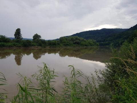 Poszukiwania 32-latka zostały wznowione. Ratownicy sprawdzali koryto Dunajca