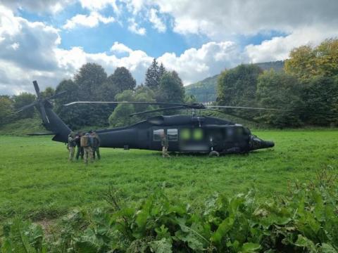 Wojskowy Black Hawk uszkodził linie energetyczne. Straty sięgają 30 tys. złotych