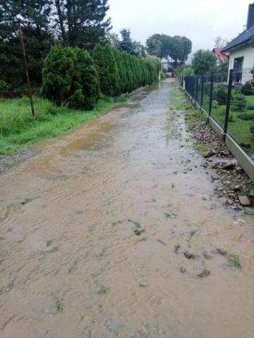 Stary Sącz: woda nadal stoi w piwnicach w Mostkach i w okolicy Węgierskiej