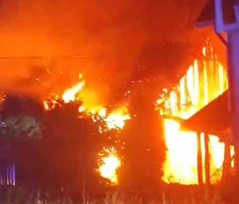 Łuna ognia nad Moszczenicą. Spłonęła stodoła, straty są ogromne