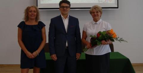 Dyrektor Zespołu Szkolno-Przedszkolnego w Kamionce Wielkiej Krystyna Skrzypiec zrezygnowała z pełnienia tej funkcji.