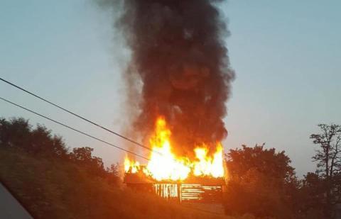 Wielki pożar w Gródku nad Dunajcem. Paliła się stodoła [WIDEO]