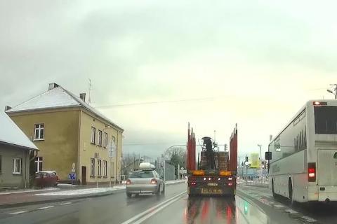 O włos od tragedii na DK-75 w Łabowej. Przez takich kierowców giną ludzie [FILM]
