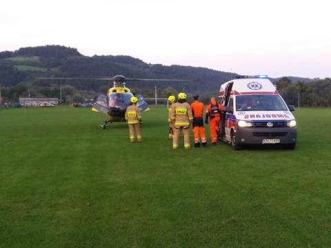 Uderzył motocyklem w BMW. Śmigłowiec zabrał rannego mężczyznę do szpitala