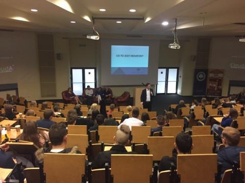WSB-NLU: Hackathon, czyli mistrzostwa kreatywnego myślenia pod presją czasu
